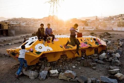 Neda-Taiyebi-Tanks-Art-01-511-511x341