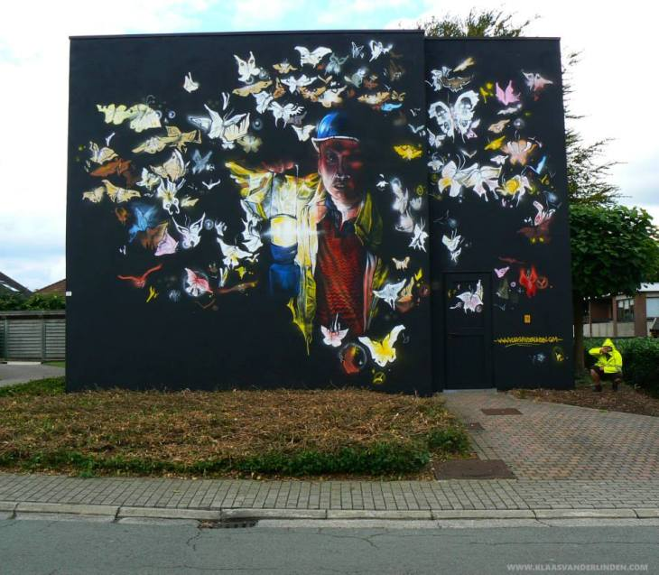 THE BUTTERFLY EFFECT WALLPAINTING By Klaas Van der Linden
