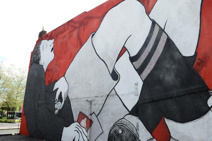 Ella-Pitr-Papiers-Peintres-Saint-Etienne-Chateaucreux-Le-coup-de-pied-à-la-lune-Mur-Graffiti-Football-8
